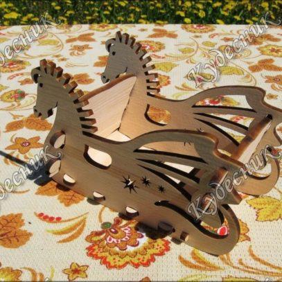 Ваза-игрушка из кедра Саночки