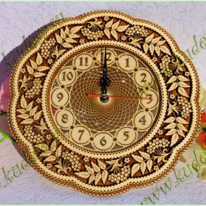 Часы резные Рябина Д30